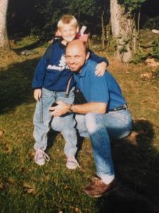 Pappa och jag inför min första skoldag. Året är 1988 och seglarskorna ett par Sebago Docksides.